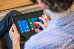 OLED-Laptop-Lenovo-ThinkPad-X1-0001